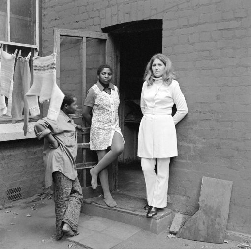 david-goldblatt-three-women-at-39-soper-road-berea-johannesburg-may-1972
