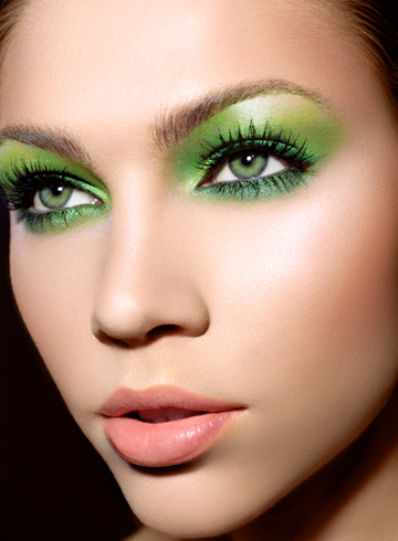 green-eye-makeup-2