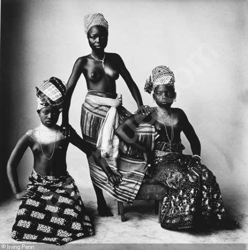 penn-irving-1917-2009-usa-three-dahomey-girls-one-standi-1678620
