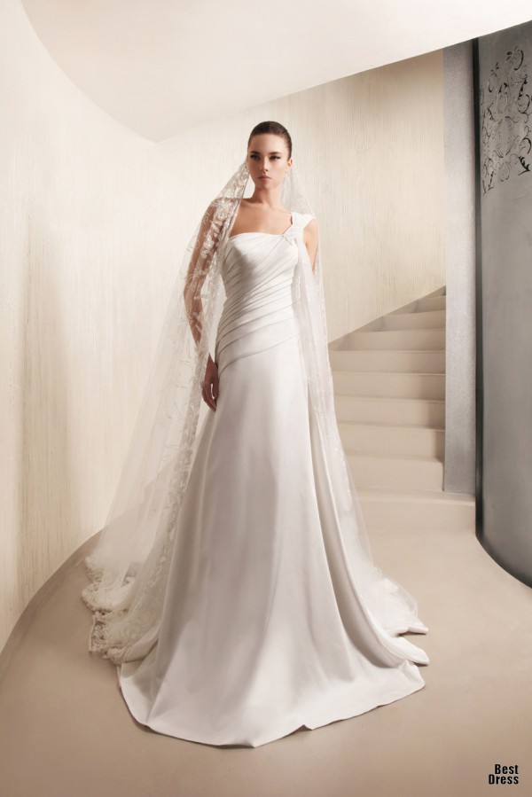 Georges Hobeika in Spring 2012 Bridal Collection 15