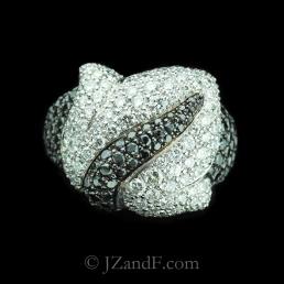 original-177-762-de-grisogono-feuilles-collection-white-black-diamond-ring-in-white-gold-1