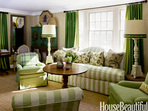 1-hbx-green-cottage-living-room-frances-schultz-0211-mdn
