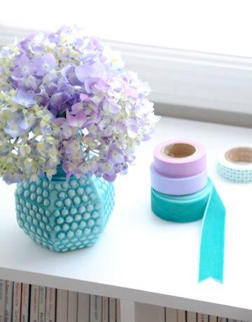 2-hbx-flowers-blue-vase-mdn