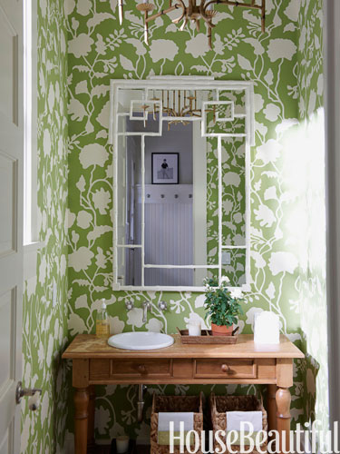 2-hbx-green-pattern-wallpaper-bath-1009-lgn
