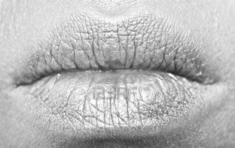 5963419-lips-in-black-and-white