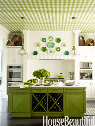 8-hbx-green-kitchen-gingham-ceiling-0211-mendelson05-lgn