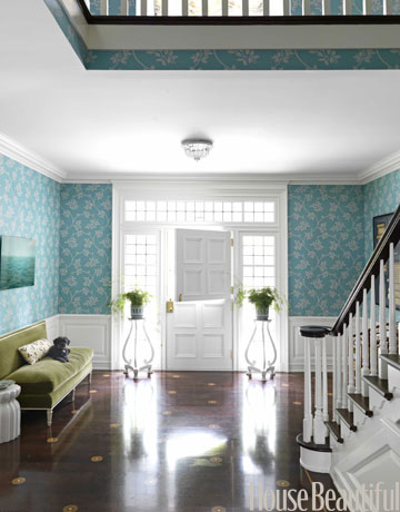 entryway-entry-color-wallpaper-staircase-door-0511-roberts04-de
