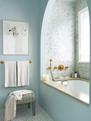 hbx-6-blue-tile-bath-0911-Bath02-mdn-53466636