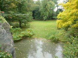 800px-P1060722_jardin_anglais_du_rocher