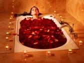 9522570-femme-de-natation-de-baignoire