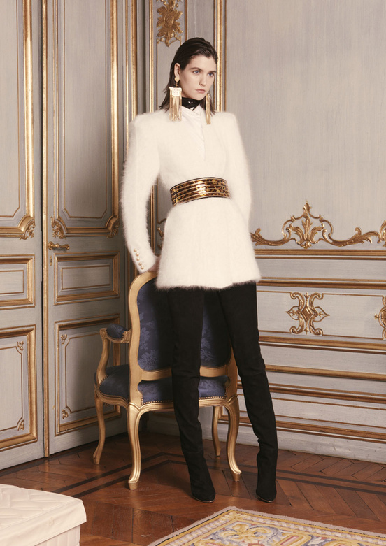 balmain_women_precollection_aw1314_01_493440723_north_552x