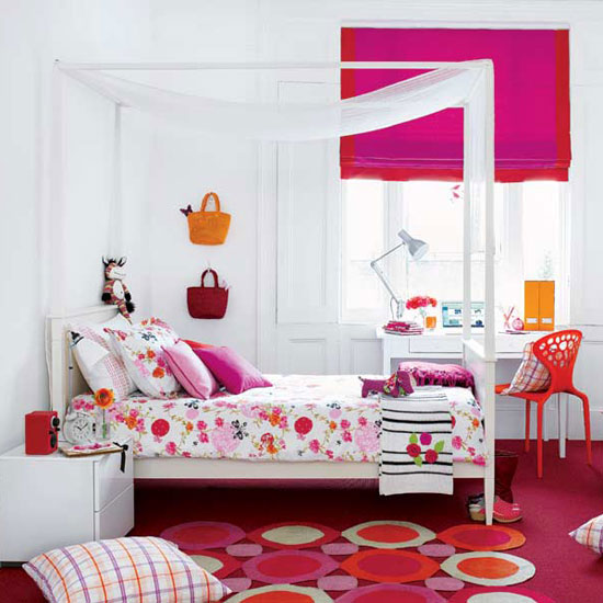 pink-white-girls-bedroom-decor