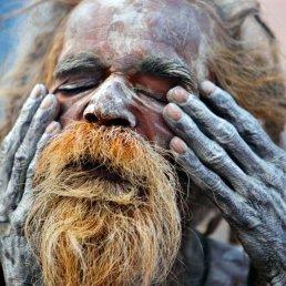 621550-gloire-shiva-sadhu-nom-donne