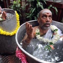 Recent_Hindu_festivals_and_rituals_2009_09