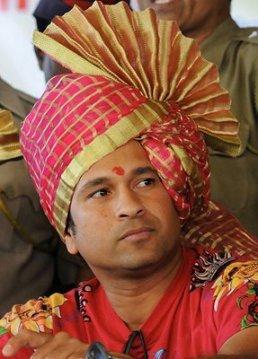 sachin-tendulkar-wears-a-turban-at-the-inauguration-of-a-cricket-academy-pune