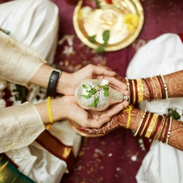 wedding-photography-mumbai-into-candid-sa-31(pp_w900_h600)