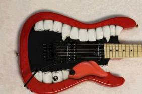 electric-guitar-guitar-lips-metal-Favim.com-836215